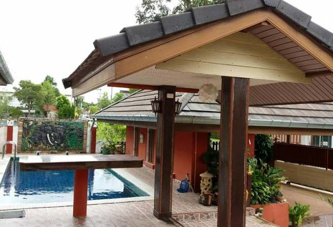 House with Private Pool for Sale