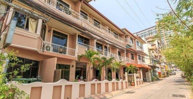 28 Rooms Apartment Business for Sale in Pratamnak